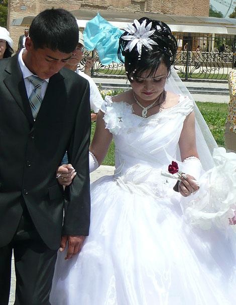 ウズベキスタンの新郎新婦