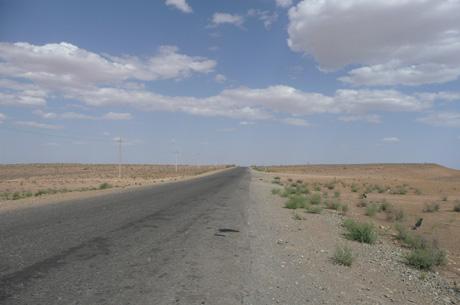 ウズベキスタン・ヒヴァへの道