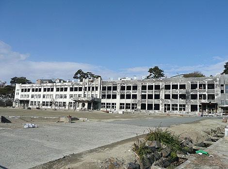 廃墟となった小学校