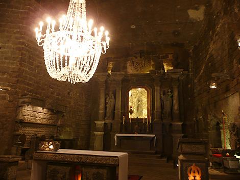 聖キンガ礼拝堂の祭壇